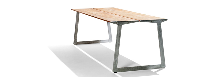 bird-bird-outdoor-table-birdtable.jpg